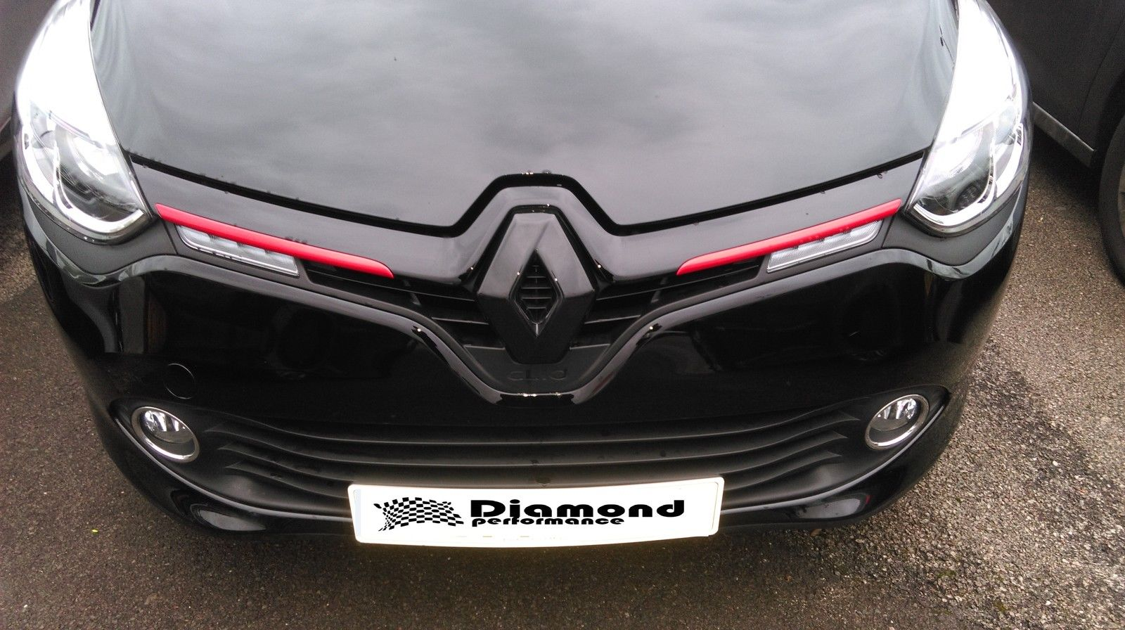 Renault Clio 4 2017 Facelift Gloss Black Badge Cover Front Only Diamond Performance