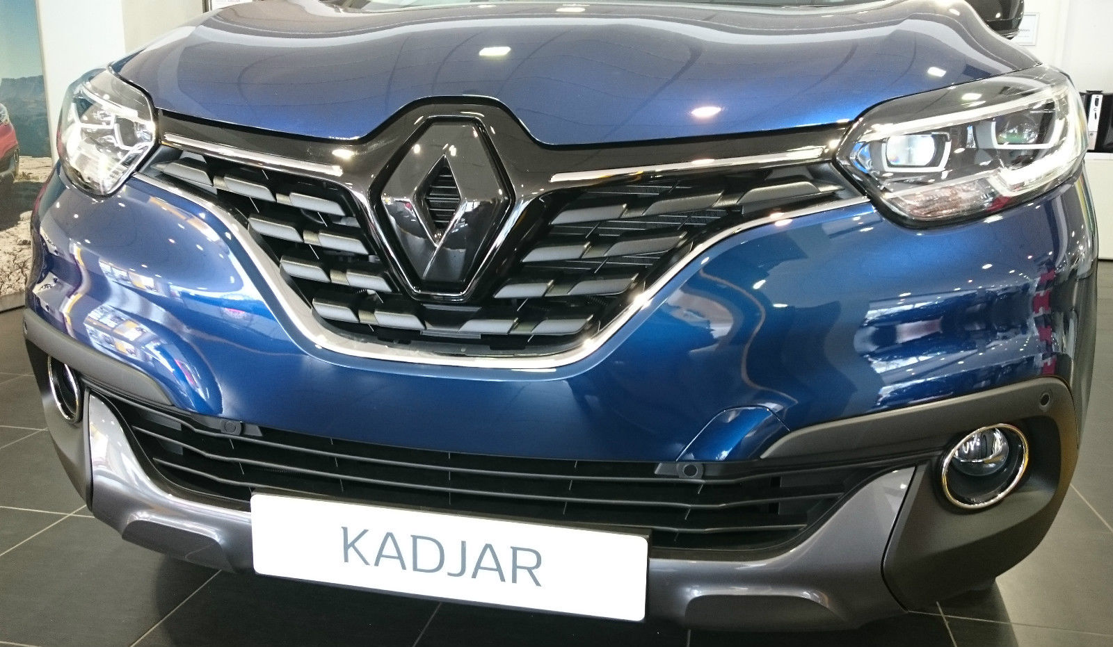 renault kadjar 2015 gloss black front badge emblem cover many colours diamond performance. Black Bedroom Furniture Sets. Home Design Ideas